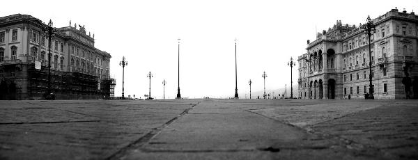 Piazza dell'Unità d'Italia in Trieste, Italy — Photo by Maurizio (Mao)