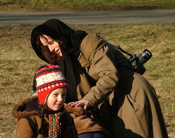 Sara Saudkova with her children