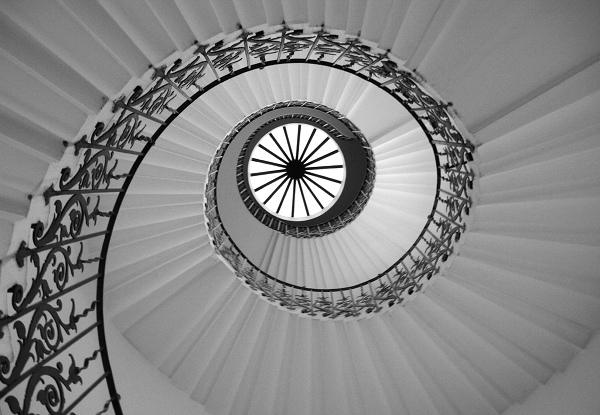 Staircase in black-and-white — photo by Tony Hisgett