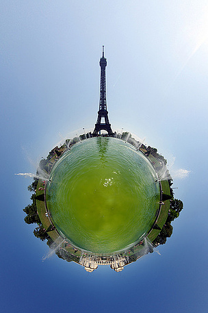 Tour Eiffel area — photo by Alexandre Duret-Lutz