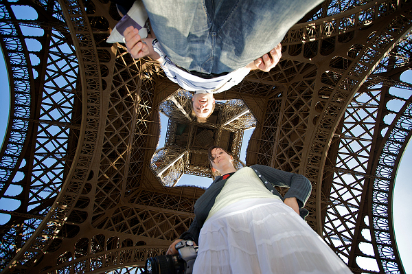 Tour Eiffel seen from below — Foto di Steffen